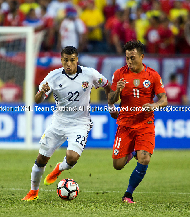 22 June 2016: Colombia defender Jeison Murillo (22) tries to keep the ball away from Chile forward Eduardo Vargas (11) during the Copa America Centenario Semifinal match between Colombia and Chile, at Soldier Field in Chicago, IL. (Photo by Tony Ding/Icon Sportswire)