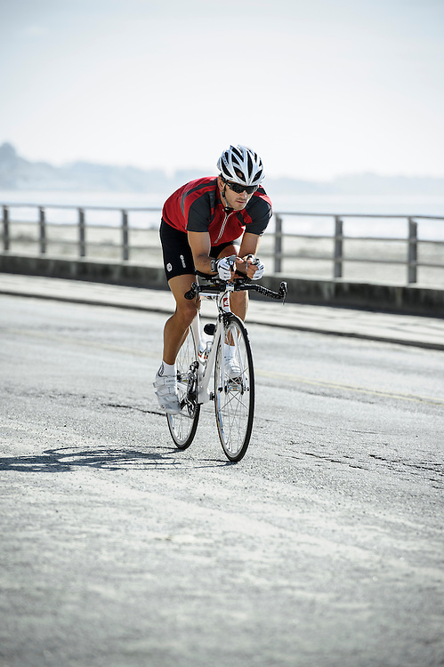Magellan GPS | pro triathlete Eric Clarkson cycling in Santa Cruz, CA