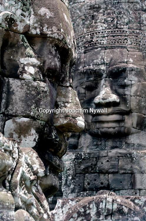 Siem Riep 1999 Ankor Wat<br /> Templet Bayon  stenstayer i form av ansikten  <br /> Der stora Khmer tempelomr&aring;det vid Siem Riep<br /> <br /> ----<br /> FOTO : JOACHIM NYWALL KOD 0708840825_1<br /> COPYRIGHT JOACHIM NYWALL<br /> <br /> ***BETALBILD***<br /> Redovisas till <br /> NYWALL MEDIA AB<br /> Strandgatan 30<br /> 461 31 Trollh&auml;ttan<br /> Prislista enl BLF , om inget annat avtalas.