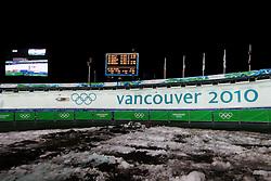 Olympic Winter Games Vancouver 2010 - Olympische Winter Spiele Vancouver 2010, Luge, Rodeln, Rennrodeln, Feature, symbolic shot, Bewegung, verwischt, olympic rings, Olympische Ringe,  Eiskanal, Rennbahn, Eisrinne, Fahrbahn, Bahn,  * Photo by Malte Christians / HOCH ZWEI / SPORTIDA.com.