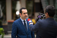 DEU, Deutschland, Germany, Berlin, 16.04.2018: Bijan Djir-Sarai (MdB, FDP), aussenpolitischer Sprecher der FDP-Bundestagsfraktion, bei einem Interview mit dem iranischen Staatssender IRIB (Islamic Republic of Iran Broadcasting) in der Bundespressekonferenz.