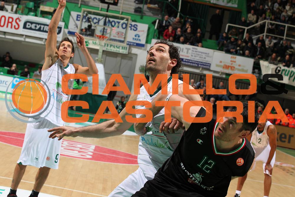 DESCRIZIONE : Siena Eurolega 2011-12 Montepaschi Siena Unicaja Malaga<br /> GIOCATORE :  Jorge Garbajosa Ksistof Lavrinovic<br /> CATEGORIA : difesa rimbalzo<br /> SQUADRA : Unicaja Malaga Montepaschi Siena<br /> EVENTO : Eurolega 2011-2012<br /> GARA : Montepaschi Siena Unicaja Malaga<br /> DATA : 08/02/2012<br /> SPORT : Pallacanestro <br /> AUTORE : Agenzia Ciamillo-Castoria/ElioCastoria<br /> Galleria : Eurolega 2011-2012<br /> Fotonotizia : Siena Eurolega 2011-12 Montepaschi Siena Unicaja Malaga<br /> Predefinita :