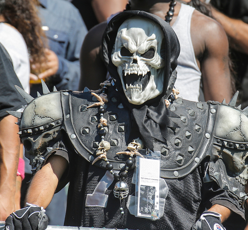 Sep 20 2015 - Oakland U.S. CA - Oakland Raiders fans during NFL Football game between Baltimore Ravens and the Oakland Raiders 37-33 win at O.co Coliseum Stadium Oakland Calif. Thurman James / CSM
