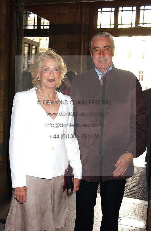 RUPERT &amp; ROBYN HAMBRO at the opening party for Diamonds - a new exhibition at The Natural History Museum, London in association with De Beers held on 6th July 2005.<br />