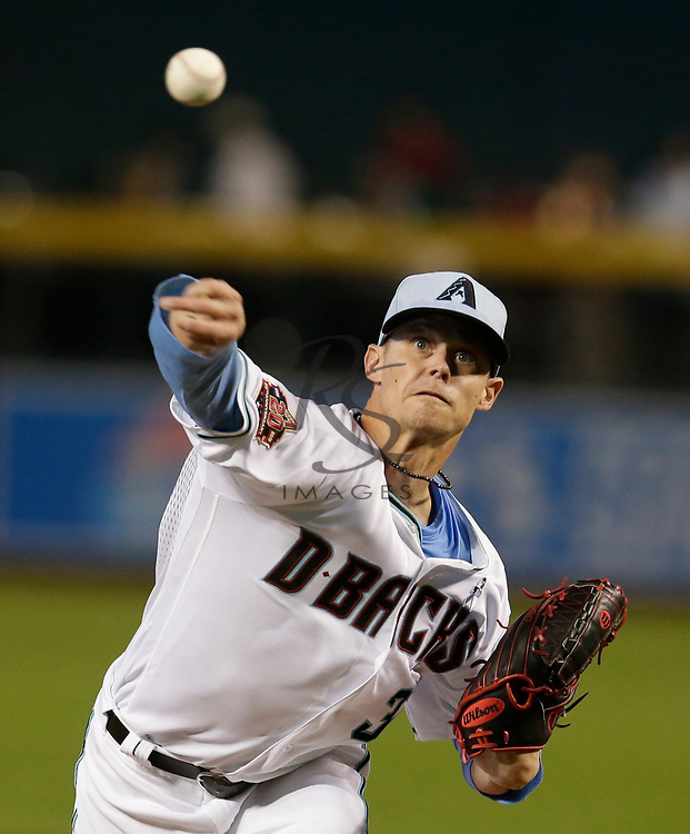 Arizona Diamondbacks starting pitcher Clay Buchholz (32) in the first inning during a baseball game against the New York Mets, Sunday, June 17, 2018, in Phoenix. (AP Photo/Rick Scuteri)