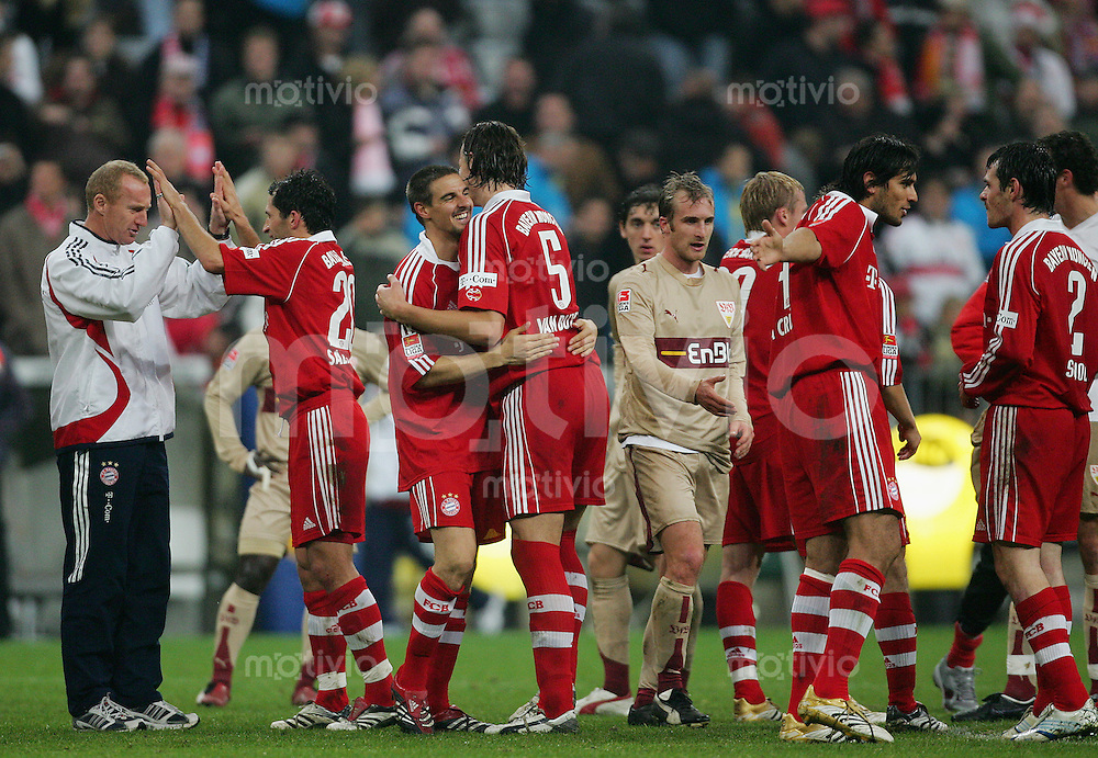 Fussball Bundesliga FC Bayern Muenchen - VFB Stuttgart Schlussjubel FCB mit Sebastian DEISLER (FCB, 3.v.l), Freude, Emotion, positiv.