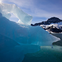 Norway, Svalbard, Spitsbergen Island, Melting iceberg near face of Paierlbreen Glacier in Burgerbukta on summer morning