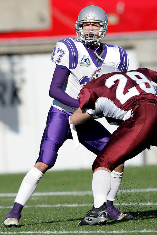 (3 November 2007 -- Ottawa) The University of Western Ontario Mustangs defeating the University of Ottawa Gee Gees lost to 16-23 in OUA football semi-final action in Ottawa. The University of Western Ontario Mustangs player pictured in action is Chris Greenwood