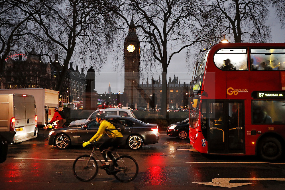 © Licensed to London News Pictures. 09/01/2017. London, UK. Vehicle and cycle traffic builds up as a 24 hour London Underground tube strike takes hold.  All Zone one tube stations are closed until 6PM tonight after members of the RMT and the Transport Salaried Staffs' Association unions walked out after talks with TFL collapsed.  Photo credit: Peter Macdiarmid/LNP
