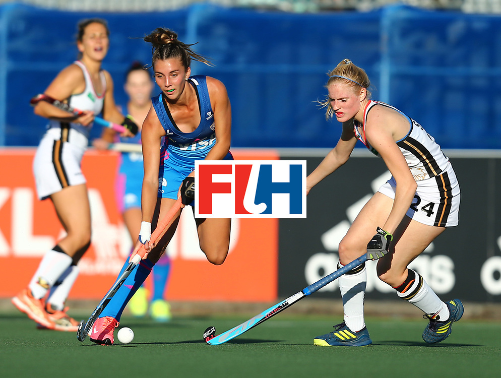 New Zealand, Auckland - 21/11/17  <br /> Sentinel Homes Women&rsquo;s Hockey World League Final<br /> Harbour Hockey Stadium<br /> Copyrigth: Worldsportpics, Rodrigo Jaramillo<br /> Match ID: 10301 - GER vs ARG<br /> Photo: (21) FERNANDEZ LADRA Milagros against (24) SPRINK Annika