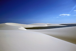 Maranhao, Brasil..Lencois Maranhenses.Parque Nacional dos Lencois Maranhenses, paraiso ecologico com 150 mil hectares de dunas, rios, lagoas e manguesais./ Lencois Maranhenses National Park, s located in Maranhao state..Foto © Bruno Maricato/Argosfoto