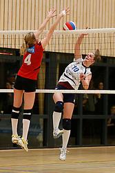 13-04-2013 VOLLEYBAL: TOPDIVISIE VCN KING SOFTWARE - SLIEDRECHT SPORT 2: CAPELLE AAN DEN IJSSEL <br /> Danielle Remmers, VCN King Software, Suzanne Muijlwijk, Sliedrecht Sport 2<br /> ©2013-FotoHoogendoorn.nl / Pim Waslander