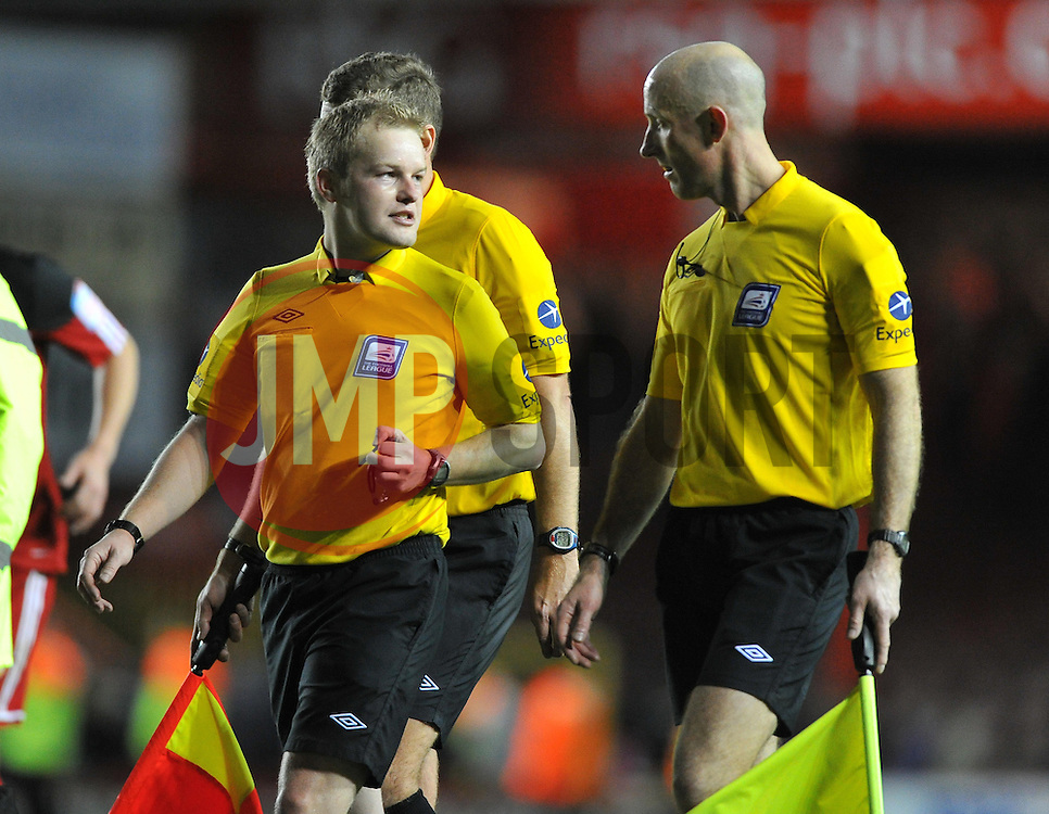 Referee Gavin Ward - Photo mandatory by-line: Joe Meredith/JMP  - Tel: Mobile:07966 386802 17/11/2012 - Bristol City v Blackpool - SPORT - FOOTBALL - Championship -  Bristol  - Ashton Gate Stadium -