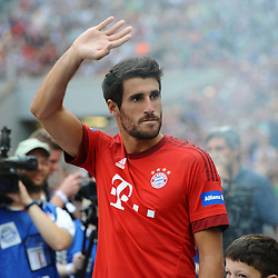 11.07.2015, Allianz Arena, M&uuml;nchen, GER, 1. FBL, FC Bayern Muenchen, Teampr&auml;sentation, im Bild Javier Martinez (FC Bayern Muenchen) bei der Allianz FC Bayern Team Presentation in der Allianz-Arena Muenchen, 11.07.2015, Foto: Stuetzle/ Eibner-Pressefoto // during the Teampresentation at the Allianz Arena in M&uuml;nchen, Germany on 2015/07/11. EXPA Pictures &copy; 2015, PhotoCredit: EXPA/ Eibner-Pressefoto/ Stuetzle<br /> <br /> *****ATTENTION - OUT of GER*****