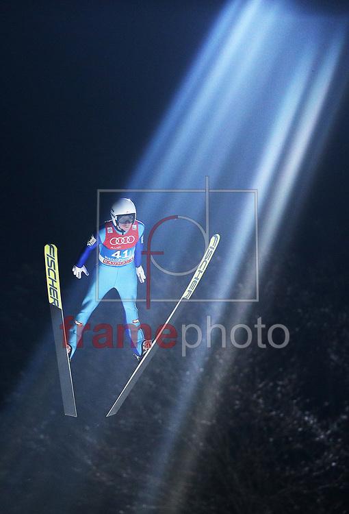 *BRAZIL ONLY* ATENÇÃO EDITOR, FOTO EMBARGADA PARA VEÍCULOS INTERNACIONAIS* O austríaco  Manuel Poppinger na prova de salto de esqui do Torneio Quatro Pistas, que faz parte da Copa do Mundo da modalidade, em Bischofshofen, Áustria, nesta terça-feira (05). Foto: CityPress/FramePhoto