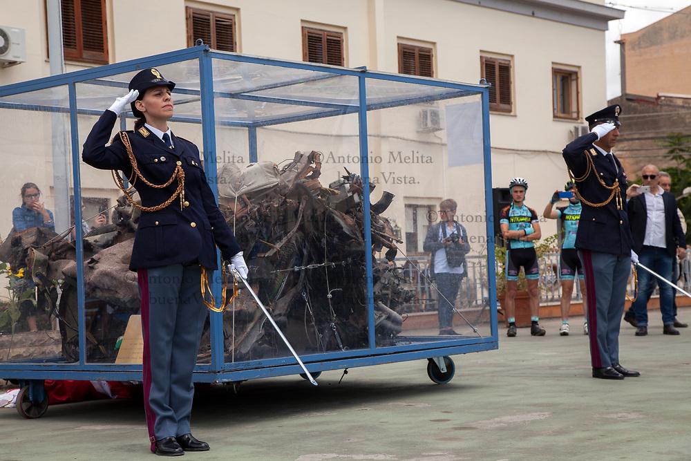 """La """"Quarto Savona Quindici"""", ciò che resta della Croma blindata nella quale persero la vita, il 23 maggio del 1992, gli agenti della scorta del Giudice Giovanni Falcone, è arrivata a Palermo per ricordare la strage."""