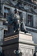 Denkmal von König Friedrich August I. vor dem Ständehaus, Altstadt, Dresden, Sachsen, Deutschland | Ständehaus, memorial King Friedrich August I., Dresden, Saxony, Germany,