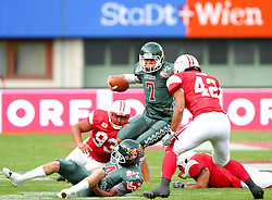 15.07.2011, Ernst Happel Stadion, Wien, AUT, American Football WM 2011, Japan (JAP) vs Mexico (MEX), im Bild Mateos Raul (Mexico, #7, QB) on the way through the japanese defense // during the American Football World Championship 2011 game, Japan vs Mexico, at Ernst Happel Stadion, Wien, 2011-07-15, EXPA Pictures © 2011, PhotoCredit: EXPA/ T. Haumer