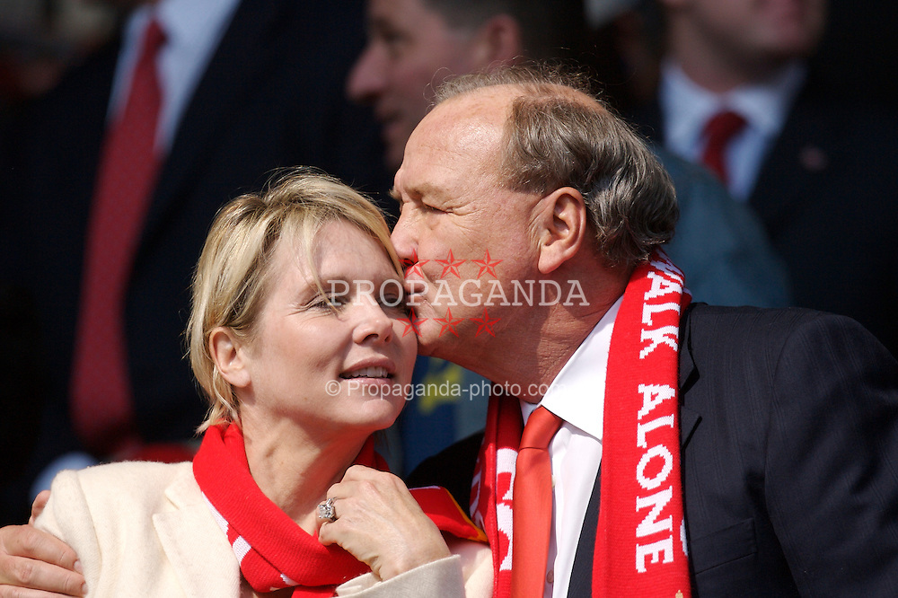 Liverpool, England - Saturday, March 3, 2007: Liverpool's co-owner Tom Hicks kisses his wife Cinda before the Premiership match against Arsenal at Anfield. (Pic by David Rawcliffe/Propaganda)