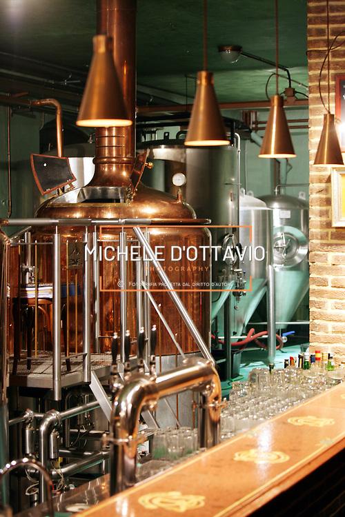 Birrificio Torino locale di produzione e mescita della birra artigianale, insediato in via Parma all interno di un'antica fabbrica di biscotti.