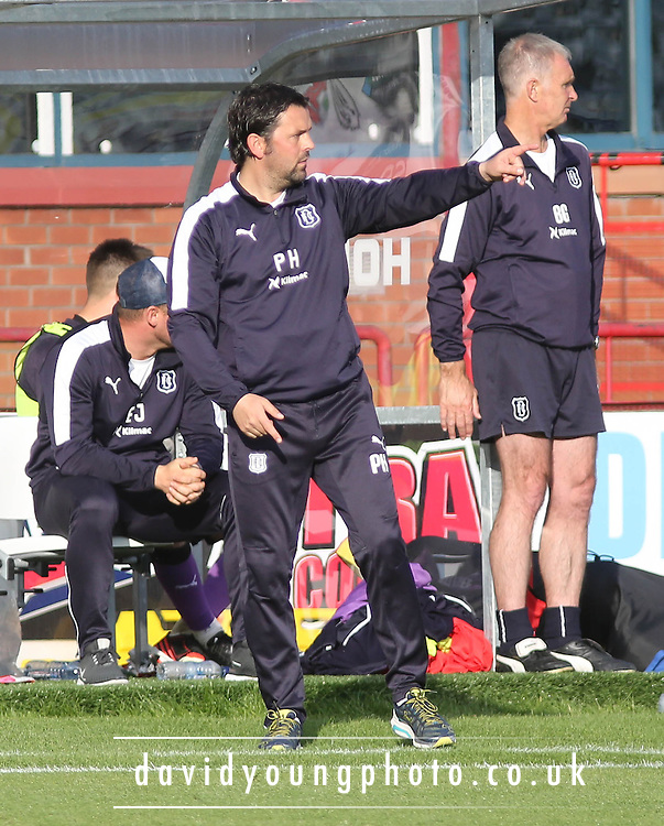 Dundee manager Paul Hartley - Dundee v Motherwell - Ladbrokes Premiership at Dens Park<br /> <br /> <br />  - &copy; David Young - www.davidyoungphoto.co.uk - email: davidyoungphoto@gmail.com