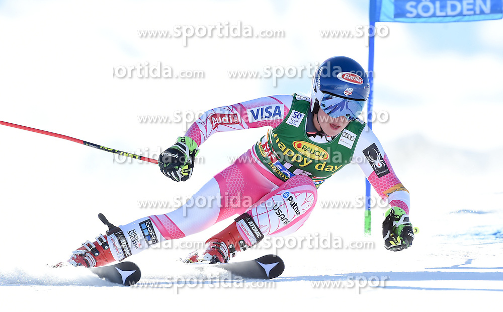 22.10.2016, Rettenbachferner, Soelden, AUT, FIS Weltcup Ski Alpin, Soelden, Riesenslalom, Damen, 1. Durchgang, im Bild Mikaela Shiffrin of the USA // in action during 1st run of ladies Giant Slalom of the FIS Ski Alpine Worldcup opening at the Rettenbachferner in Soelden, Austria on 2016/10/22. EXPA Pictures © 2016, PhotoCredit: EXPA/ Erich Spiess