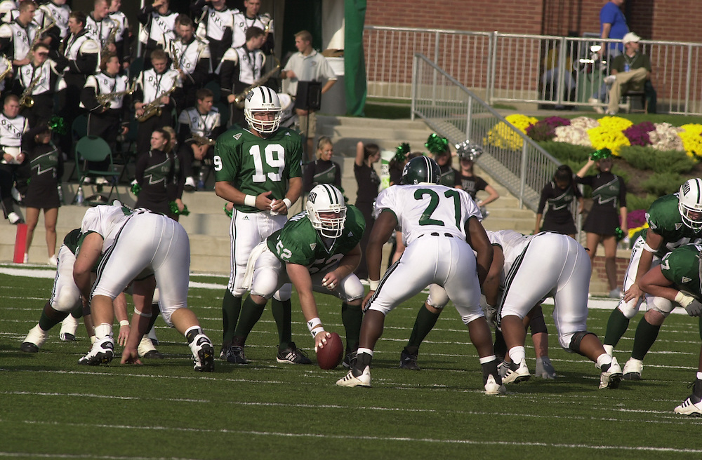 15571Homecoming 2002: Ohio Football vs. Eastern Michigan / student shots