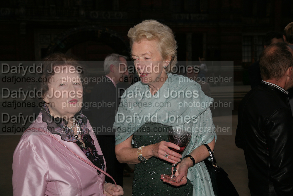 MRS. ALAN CAMPBELL-JOHNSON AND LADY HAMILTON OF DALZELL, V and A celebrates 150th anniversary. V and A. London. 26 June 2007.  -DO NOT ARCHIVE-© Copyright Photograph by Dafydd Jones. 248 Clapham Rd. London SW9 0PZ. Tel 0207 820 0771. www.dafjones.com.