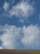 Wolken, clouds, nuages, ciel blue, blue sky. © Romano P. Riedo