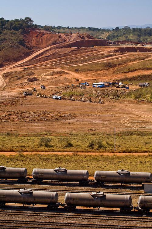 Jeceaba_MG, Brasil...Instalacao da Usina Siderurgica na cidade de Jeceaba. ..Installation of steel in Jeceaba...Foto: JOAO MARCOS ROSA /  NITRO
