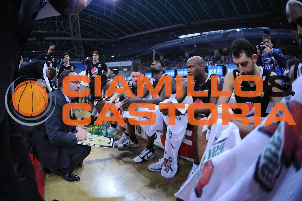 DESCRIZIONE : Pesaro Lega A 2010-11 Scavolini Siviglia Pesaro Pepsi Caserta<br /> GIOCATORE : Stefano Sacripanti Team Caserta<br /> SQUADRA : Pepsi Caserta<br /> EVENTO : Campionato Lega A 2010-2011<br /> GARA : Scavolini Siviglia Pesaro Pepsi Caserta<br /> DATA : 06/02/2011<br /> CATEGORIA : timeout<br /> SPORT : Pallacanestro<br /> AUTORE : Agenzia Ciamillo-Castoria/M.Marchi<br /> Galleria : Lega Basket A 2010-2011<br /> Fotonotizia : Pesaro Lega A 2010-11 Scavolini Siviglia Pesaro Pepsi Caserta<br /> Predefinita :