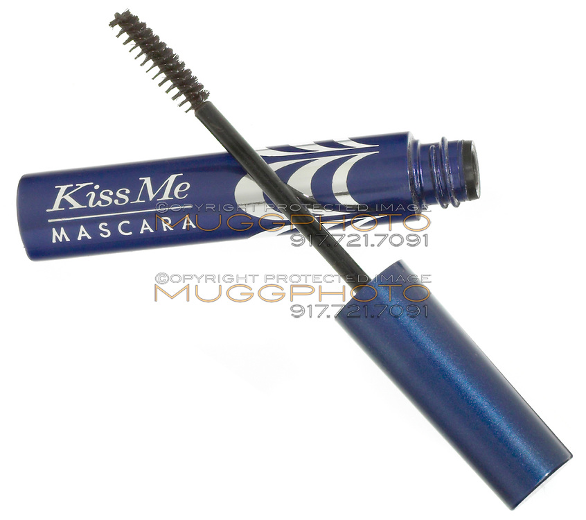 kiss me mascara in blue and silver tube