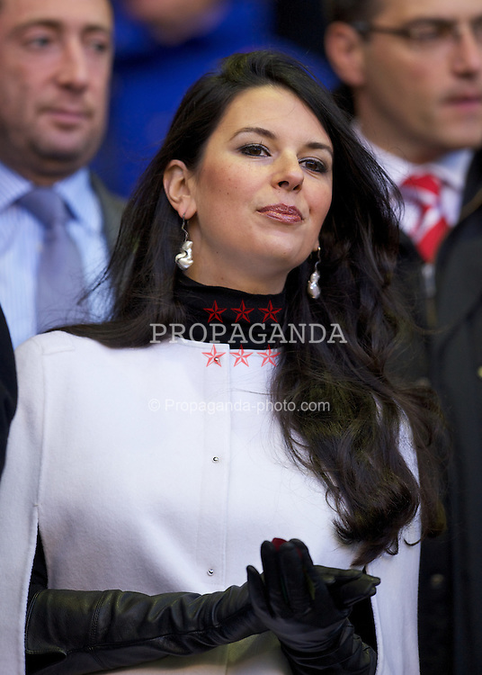 LIVERPOOL, ENGLAND - Sunday, November 7, 2010: Wife of Liverpool owner John W. Henry, Linda Pizzuti before the Premiership match against Chelsea at Anfield. (Photo by David Rawcliffe/Propaganda)
