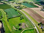 Nederland, Gelderland, Gemeente Buren; 27-05-2020; Lekdijk West even ten westen van Beusichem. Na het hoogwater van 1995 is de dijk versterkt en verbeterd.<br /> Lekdijk West just west of Beusichem. After the flood of 1995, the dike was strengthened and improved.<br /> <br /> luchtfoto (toeslag op standard tarieven);<br /> aerial photo (additional fee required)<br /> copyright © 2020 foto/photo Siebe Swart