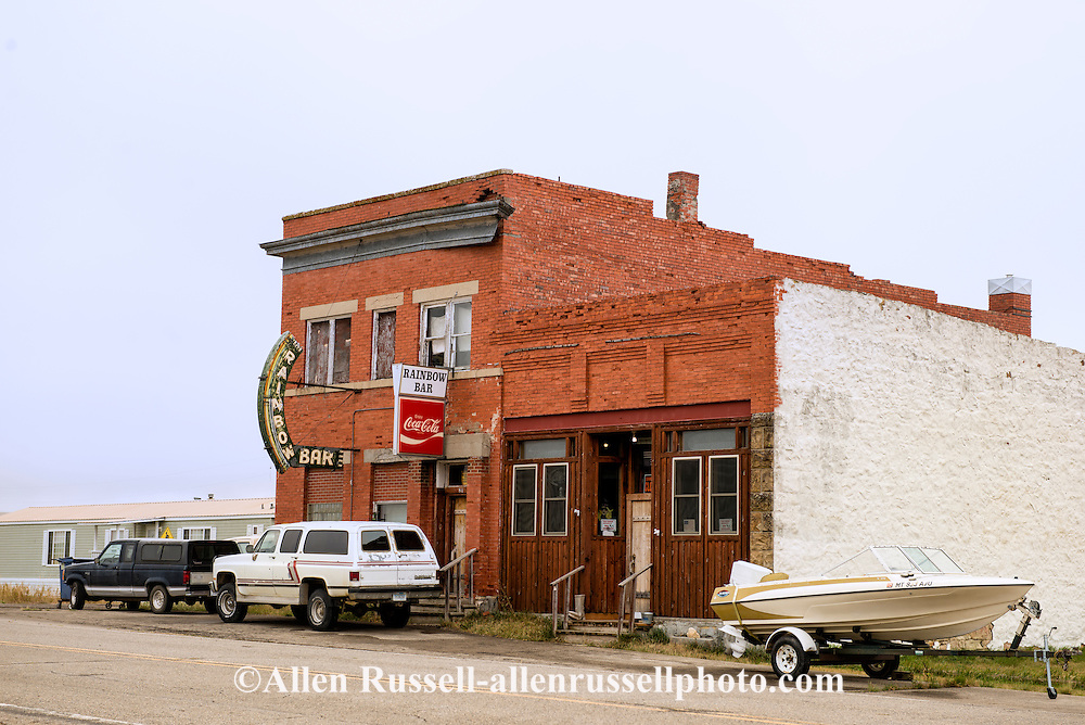Rainbow Bar, out of business,  Hilger, Montana