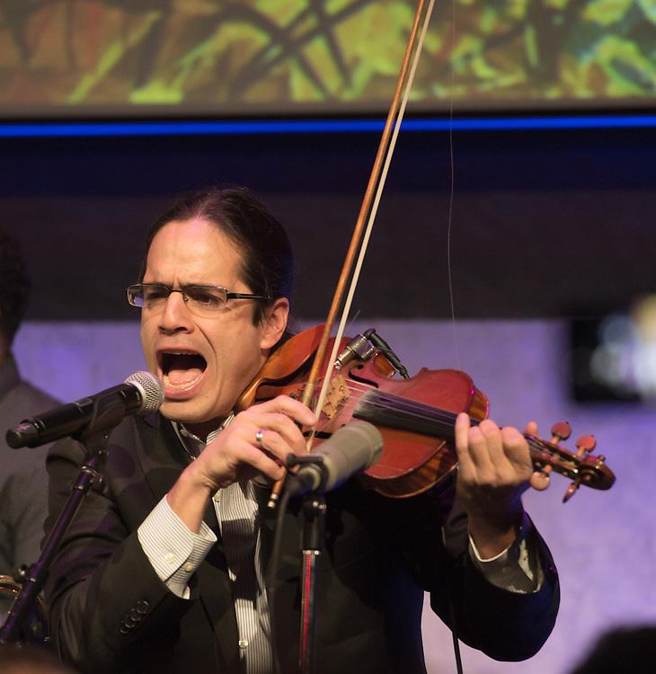 Los Hacheros featuring Maite Hontelé