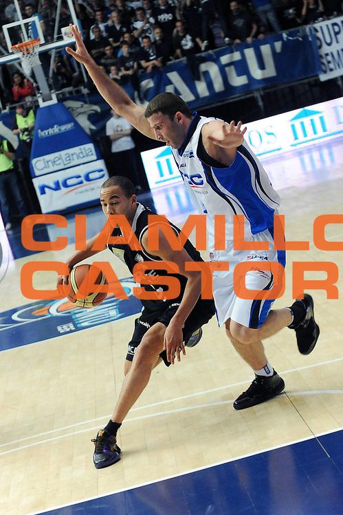 DESCRIZIONE : Cantu Lega A 2009-10 NGC Cantu Carife Ferrara<br /> GIOCATORE : Yohann Sangare<br /> SQUADRA : Carife Ferrara<br /> EVENTO : Campionato Lega A 2009-2010 <br /> GARA :  NGC Cantu Carife Ferrara<br /> DATA : 18/04/2010<br /> CATEGORIA : Palleggio<br /> SPORT : Pallacanestro <br /> AUTORE : Agenzia Ciamillo-Castoria/A.Dealberto<br /> Galleria : Lega Basket A 2009-2010 <br /> Fotonotizia : Cantu Campionato Italiano Lega A 2009-2010 NGC Cantu Carife Ferrara<br /> Predefinita :