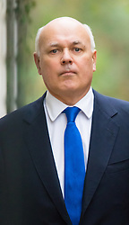 Downing Street, London, November 17th 2015. Work and Pensions Secretary Iain Duncan-Smith arrives at Downing Street for the weekly cabinet meeting.