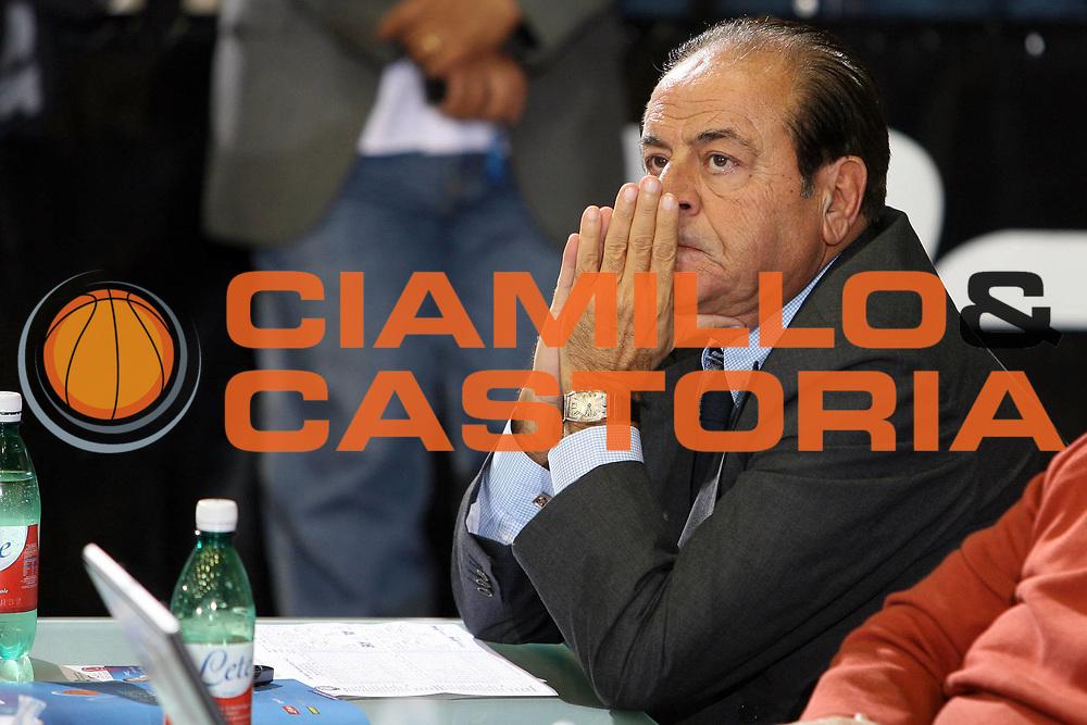 DESCRIZIONE : Napoli Campionato Italiano Lega A1 2007-2008 Eldo Napoli Montepaschi Siena <br /> GIOCATORE : Mario Maione<br /> SQUADRA : Eldo Napoli<br /> EVENTO : Campionato Lega A1 2007-2008 <br /> GARA : EldO Napoli Montepaschi Siena<br /> DATA : 18/10/2007 <br /> CATEGORIA : delusione<br /> SPORT : Pallacanestro <br /> AUTORE : Agenzia Ciamillo-Castoria/E.Castoria