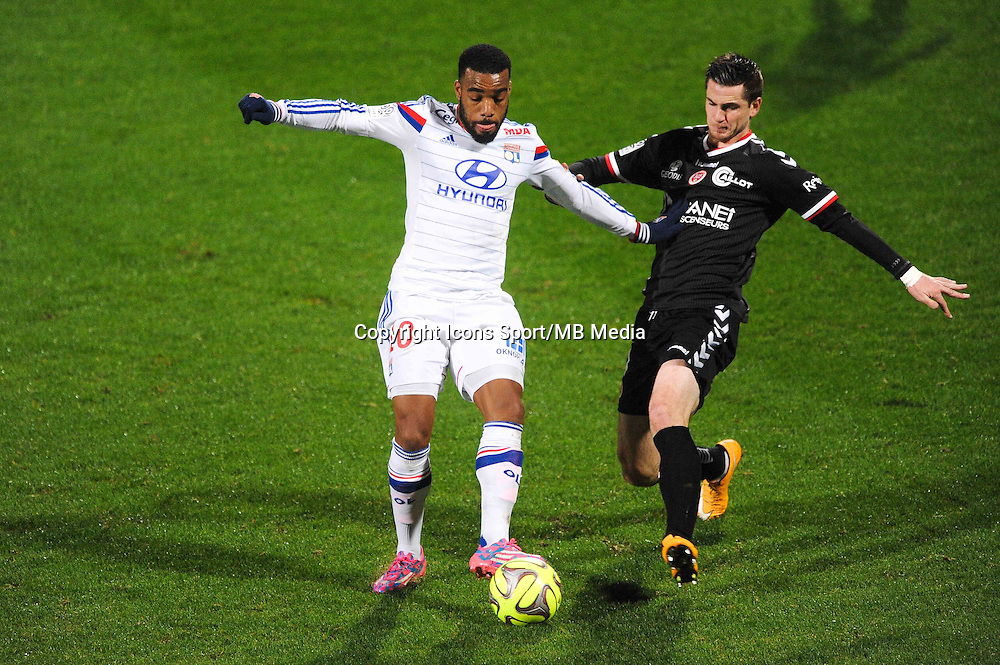 Alexandre LACAZETTE / Valentin ROBERGE  - 04.12.2014 - Lyon / Reims - 16eme journee de Ligue 1  <br /> Photo : Jean Paul Thomas / Icon Sport