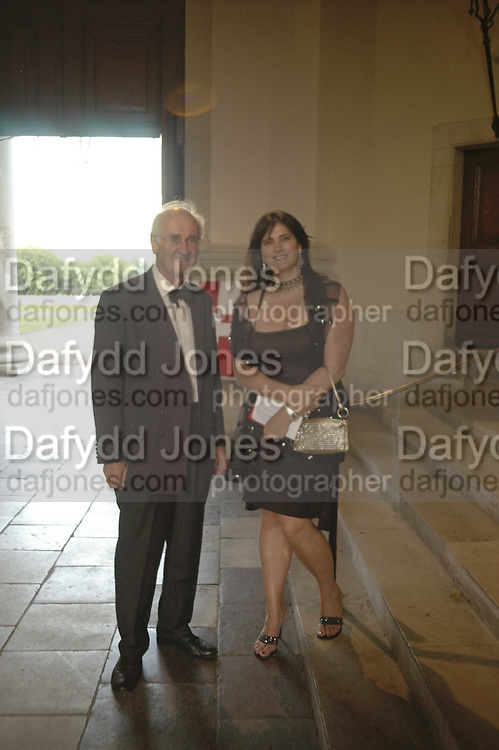 SIR JOHN NOTT AND MANDY TARRANT, Fund for Refugees in Slovenia Gala Dinner, The Great Hall. Royal Hospital. Chelsea. 12 June 2006. ONE TIME USE ONLY - DO NOT ARCHIVE  © Copyright Photograph by Dafydd Jones 66 Stockwell Park Rd. London SW9 0DA Tel 020 7733 0108 www.dafjones.com