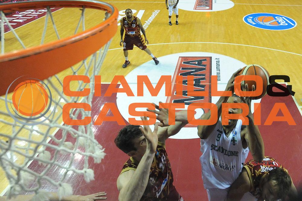 DESCRIZIONE : Venezia Lega A 2015-16 Umana Reyer Venezia - Sidigas Avellino<br /> GIOCATORE : Alex Acker<br /> CATEGORIA : Tiro Special<br /> SQUADRA : Umana Reyer Venezia Sidigas Avellino<br /> EVENTO : Campionato Lega A 2015-2016 <br /> GARA : Umana Reyer Venezia - Sidigas Avellino<br /> DATA : 04/05/2016<br /> SPORT : Pallacanestro <br /> AUTORE : Agenzia Ciamillo-Castoria/M.Gregolin<br /> Galleria : Lega Basket A 2015-2016  <br /> Fotonotizia :  Venezia Lega A 2015-16 Umana Reyer Venezia - Sidigas Avellino