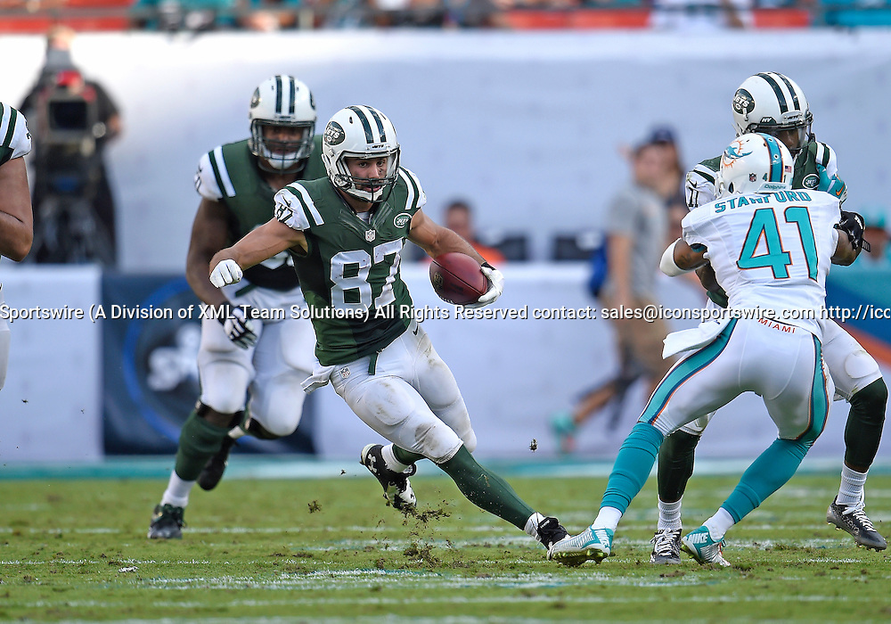 28 December 2014: New York Jets Wide Receiver Eric Decker (87) [11381] plays against the Miami Dolphins in the Jet's 37-24 victory at Sun Life Stadium, Miami, Florida.