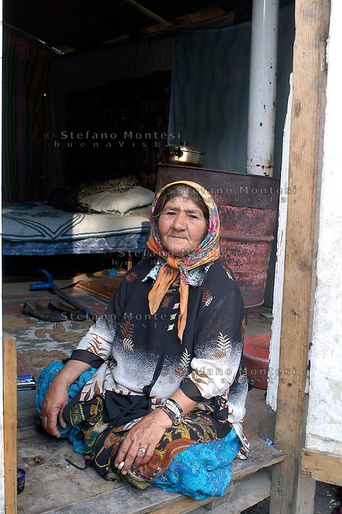 Rome May 14 2008.Rom's camp Casilino 900.Romani woman of Bosnia