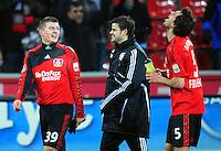 FUSSBALL  1. BUNDESLIGA   SAISON 2009/2010  18. SPIELTAG Bayer 04 Leverkusen - FSV Mainz 05                     16.10.2010   Toni KROOS, Tranquillo BARNETTA und Manuel FRIEDRICH (v.l., alle Leverkusen) freuen sich nach dem Abpfiff