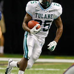 September 22, 2012; New Orleans, LA, USA; Tulane Green Wave running back Josh Rounds (25) against the Ole Miss Rebels during a game at the Mercedes-Benz Superdome. Ole Miss defeated Tulane 39-0. Mandatory Credit: Derick E. Hingle-US PRESSWIRE