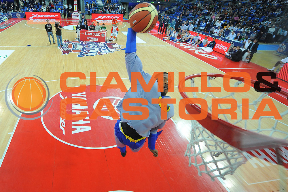 DESCRIZIONE : Pesaro Edison All Star Game 2012<br /> GIOCATORE : Aubrey Coleman<br /> CATEGORIA : slam dunk contest gara delle schiacciate<br /> SQUADRA : All Star Team<br /> EVENTO : All Star Game 2012<br /> GARA : Italia All Star Team<br /> DATA : 11/03/2012 <br /> SPORT : Pallacanestro<br /> AUTORE : Agenzia Ciamillo-Castoria/M.Marchi<br /> Galleria : FIP Nazionali 2012<br /> Fotonotizia : Pesaro Edison All Star Game 2012<br /> Predefinita :