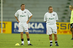 BANGKOK, THAILAND - Wednesday, July 23, 2003: Liverpool's Gerard Houllier and assistant manager Phil Thompson during a training session in at the Rajamangala National Stadium. (Pic by David Rawcliffe/Propaganda)