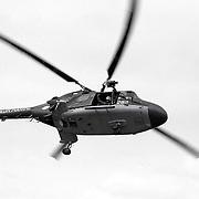 NLD/Huizen/19910525 - Waterspektakel Huizen 1991 met een demonstratie van een marine Lynx helicopter