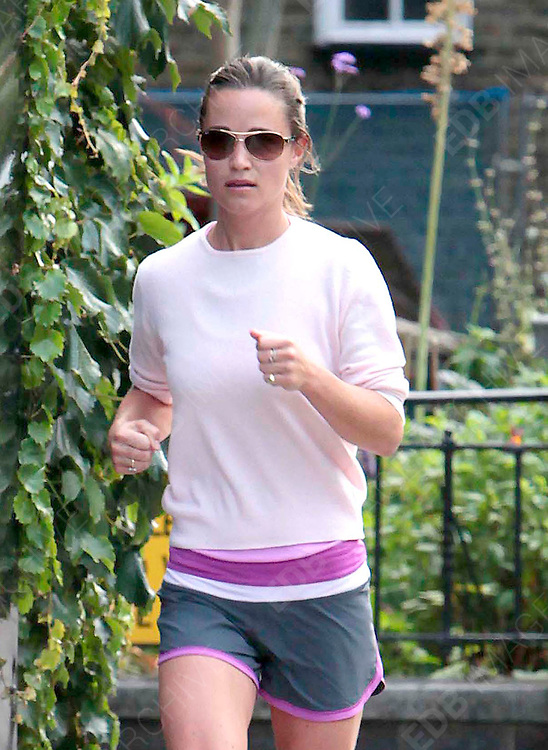 14.JULY.2011. LONDON<br /> <br /> PIPPA MIDDLETON JOGGING NEAR HER HOME IN LONDON<br /> <br /> BYLINE: EDBIMAGEARCHIVE.COM<br /> <br /> *THIS IMAGE IS STRICTLY FOR UK NEWSPAPERS AND MAGAZINES ONLY*<br /> *FOR WORLD WIDE SALES AND WEB USE PLEASE CONTACT EDBIMAGEARCHIVE - 0208 954 5968*